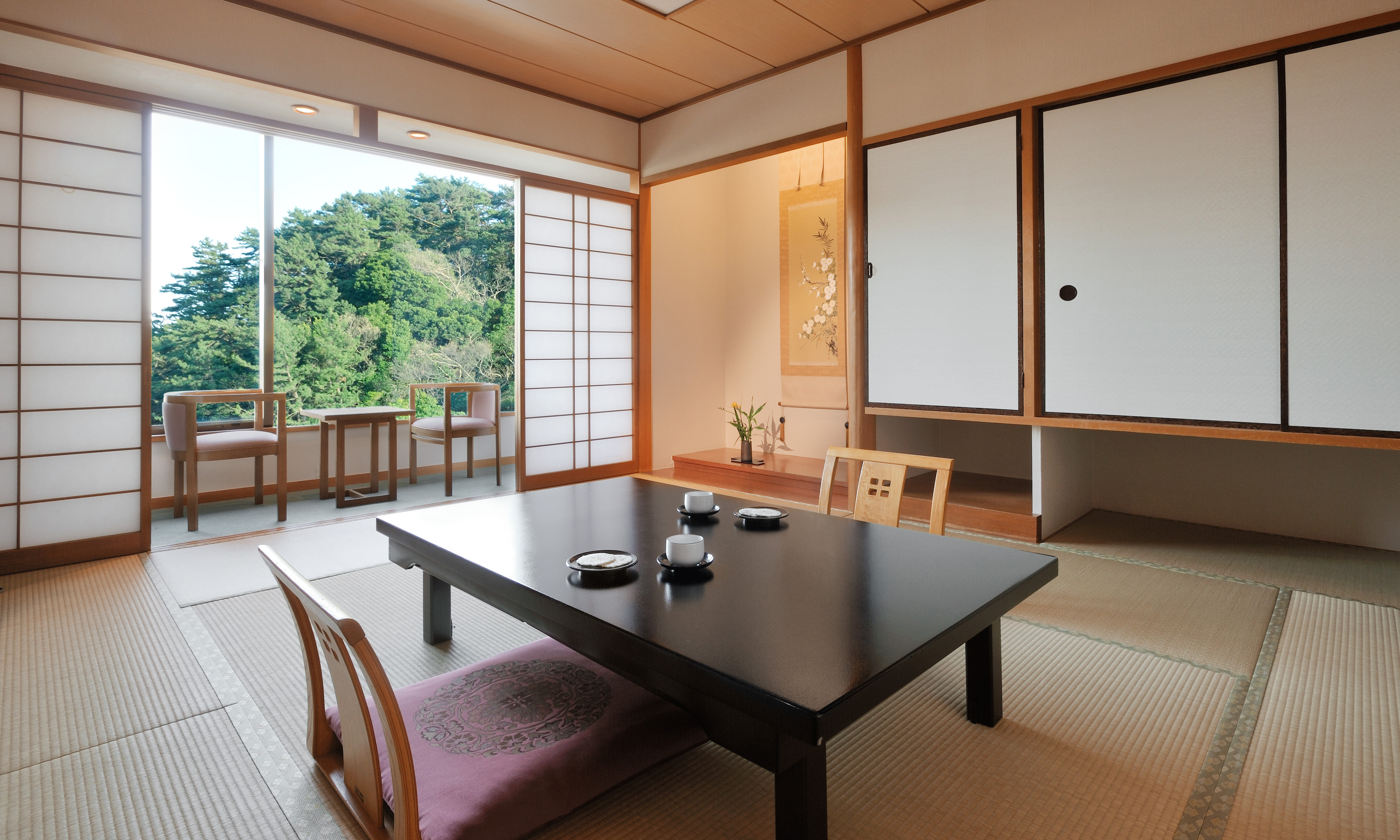 和の雰囲気をモダンにアレンジした客室
