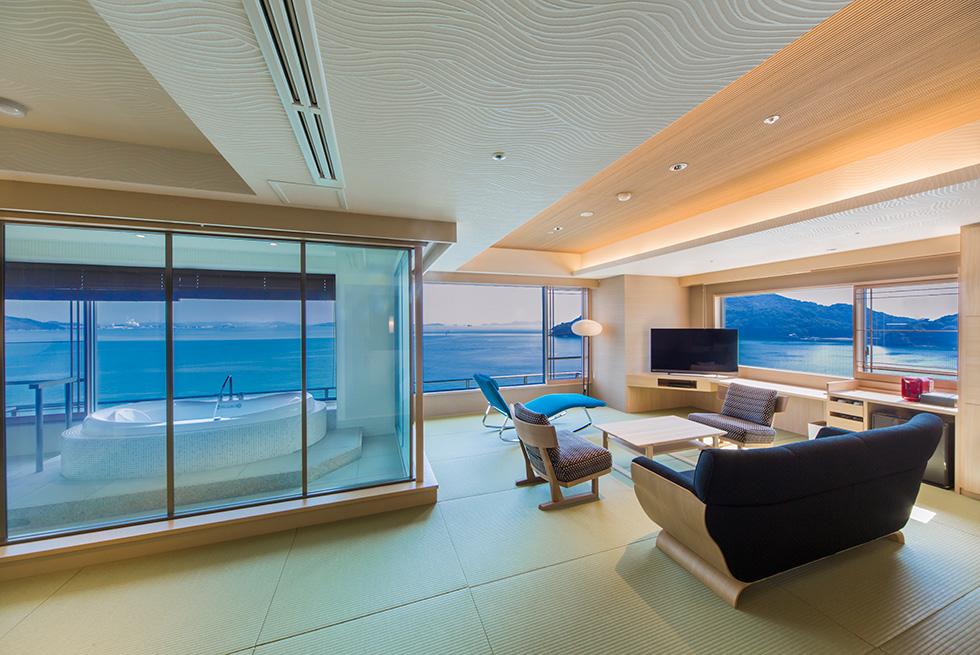 水廻りと一体化する客室