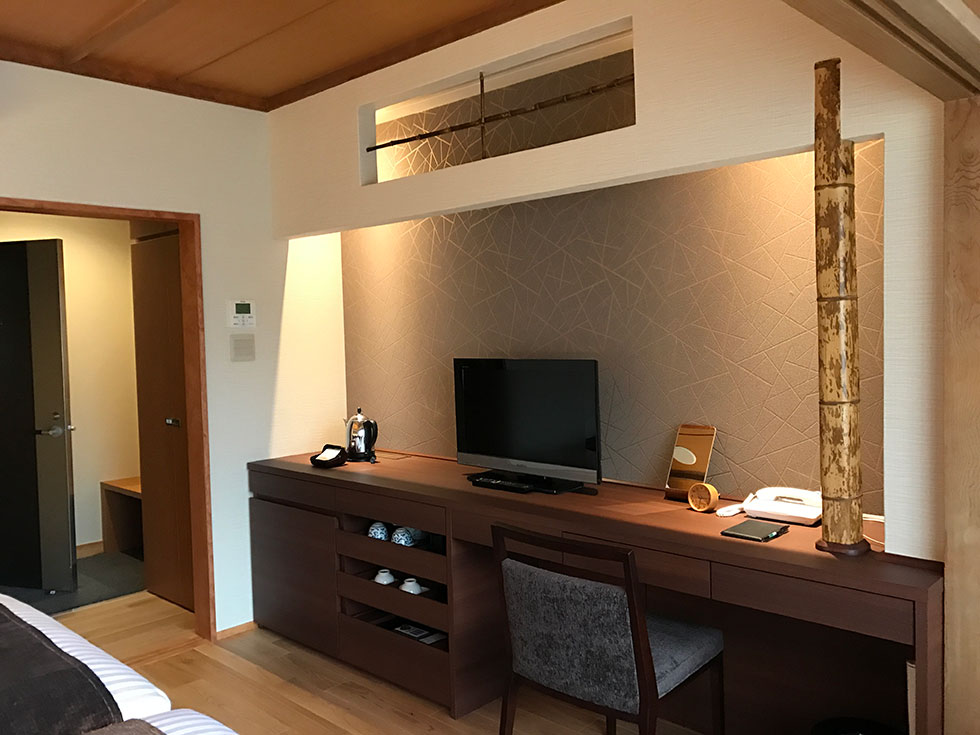 ホテル白樺荘 <br>客室 「森の棟 」 改装