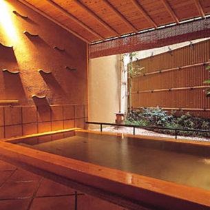趣の異なる5種類の貸切風呂を選ぶ、楽しみ