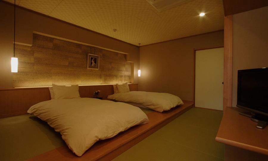 ベッドルームのある、ゆとりある客室