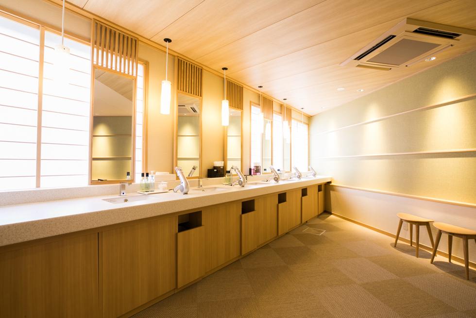 ホテル城山 <br>玄関・大浴場 改装
