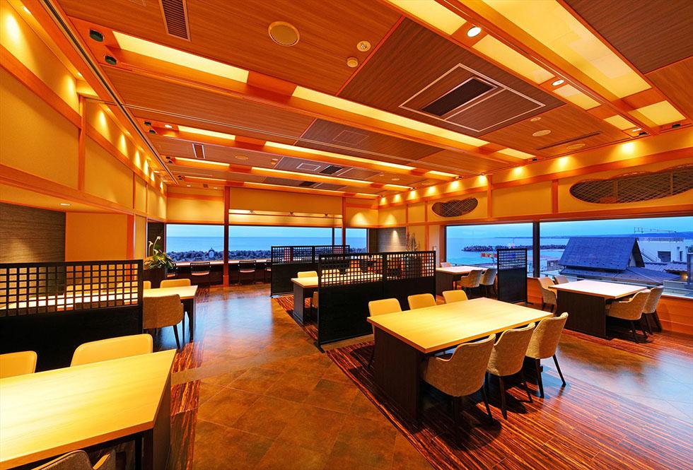 日本海を望む和食ダイニング